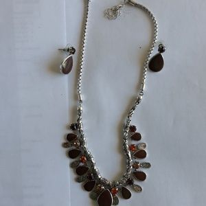 Jewelry - 2 piece necklace with earrings.